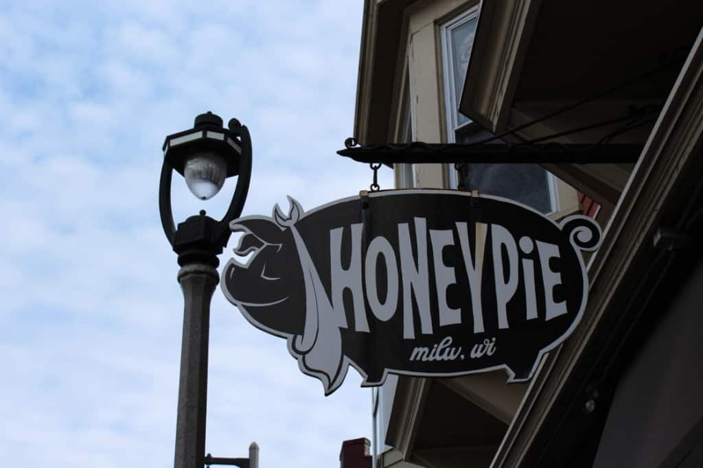 Female Foodie Milwaukee: Honeypie