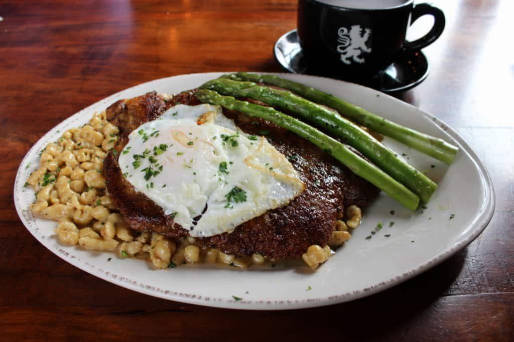 Female Foodie Milwaukee: Cafe Bavaria