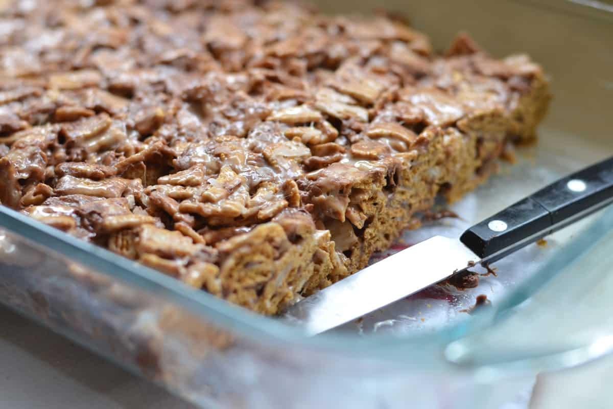 Coconut Golden Graham S'mores Bars - Female Foodie