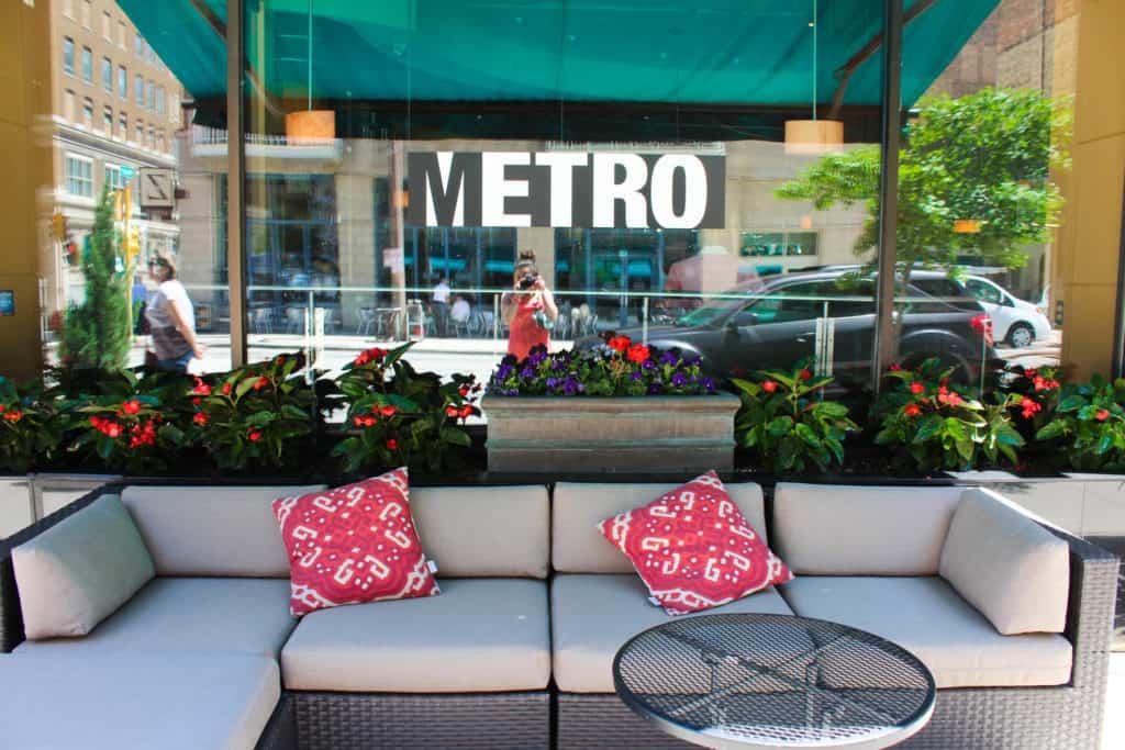 Female Foodie Milwaukee: Metro Bar & Cafe