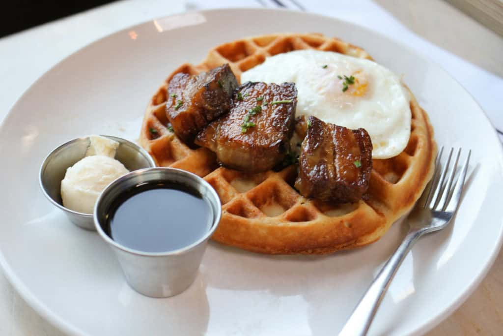 Rye Diner & Drinks in Salt Lake City, Utah! One of my favorite places for a posh breakfast or brunch that serves delicious comfort food with a twist. Read my full review at femalefoodie.com!