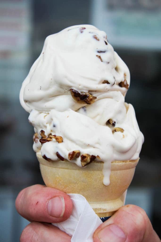 Female Foodie Milwaukee: Leon's Frozen Custard