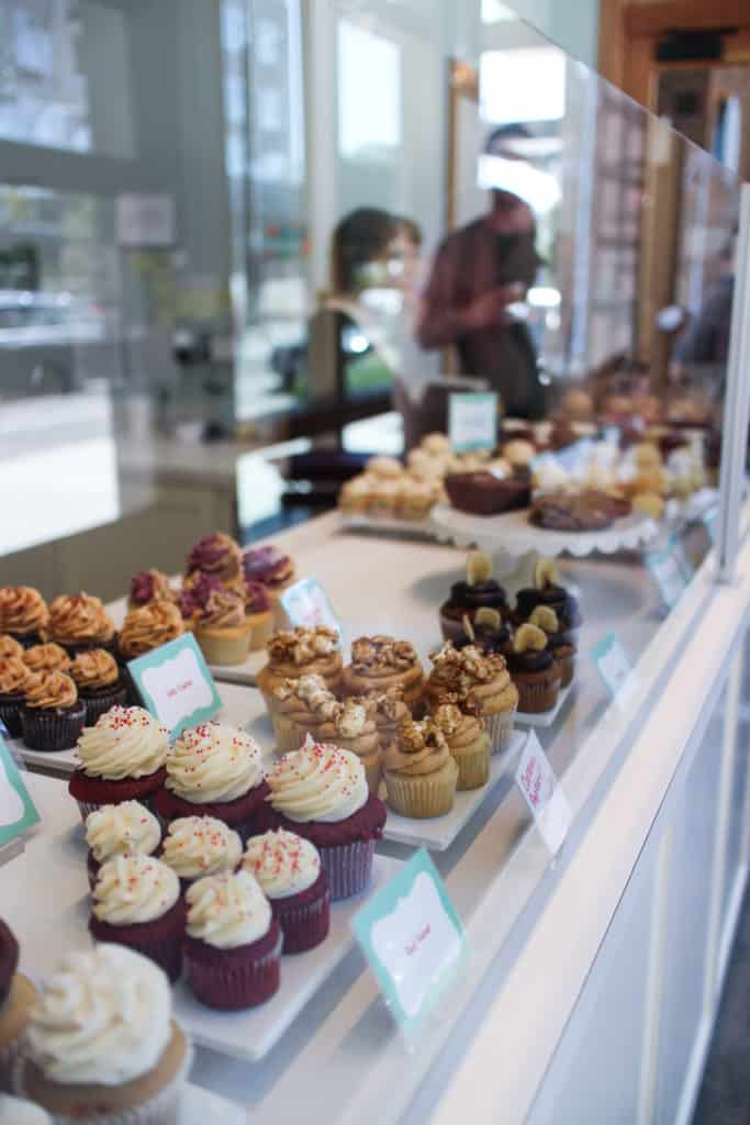 Portland - Saint Cupcake - storefront