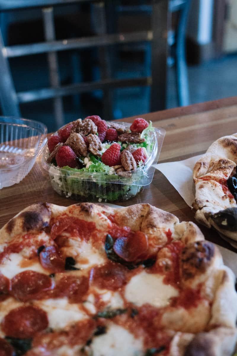 The Pizza Cart in Cedar City, Utah - delicious wood fired pizza! | Utah eats | Utah food | Female Foodie