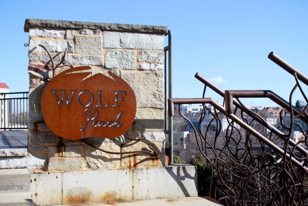 Milwaukee: Wolf Peach