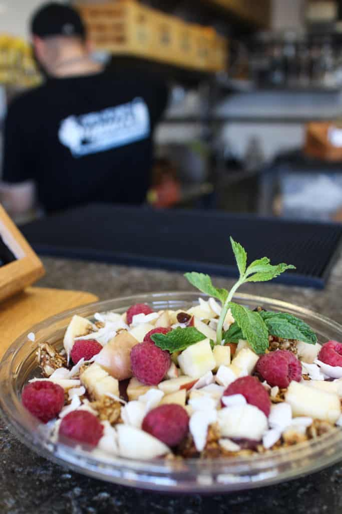 Open Source Organics | Los Angeles | femalefoodie.com | Acai Bowl