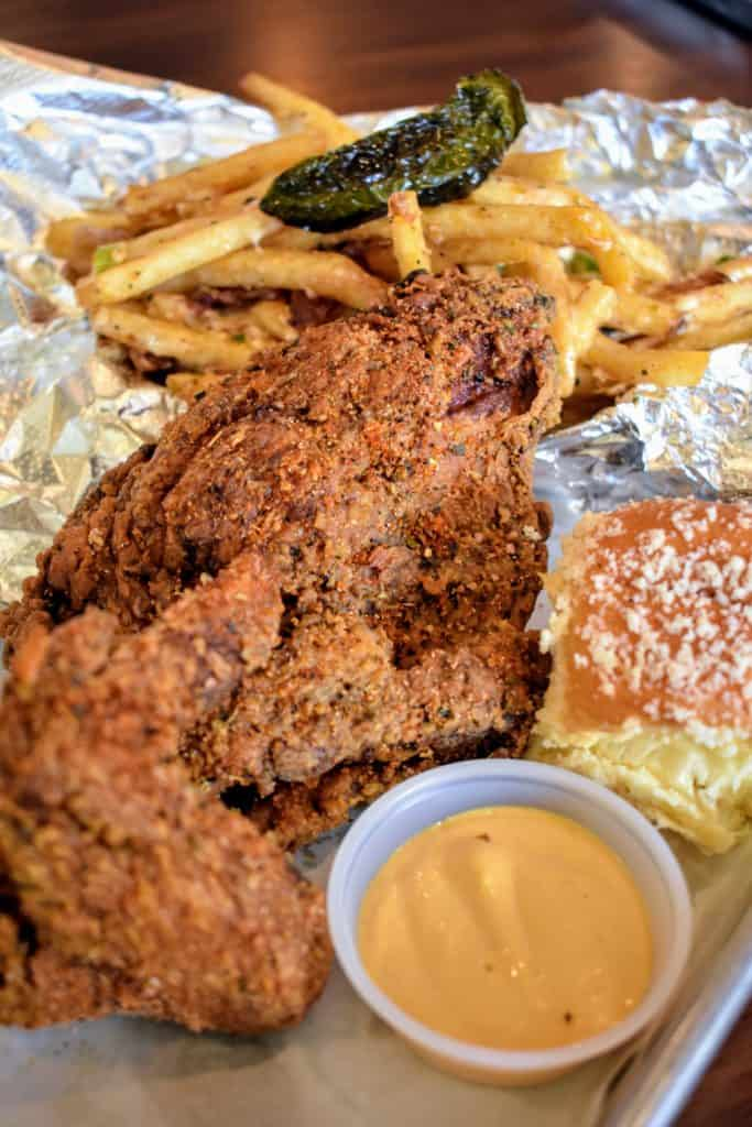 Farmbyrd Rotisserie & Fry in Plano serves up hot, delicious fried and rotisserie chicken, scrumptious sides and huge salads that hit the spot.