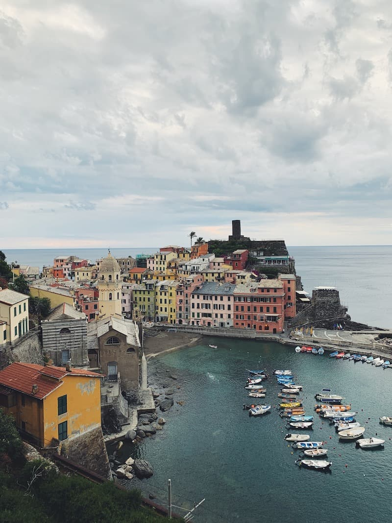A guide to the best Cinque Terre restaurants filled with select recommendations from gelato to pasta to seafood to focaccia!