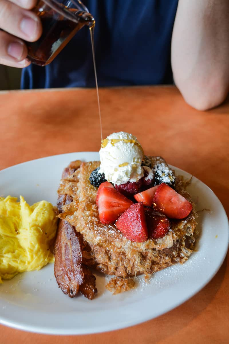 We have put together a list of the best brunch in Phoenix that will satisfy the egg eaters, croissant connoisseurs, and anyone who is bonkers for bacon!
