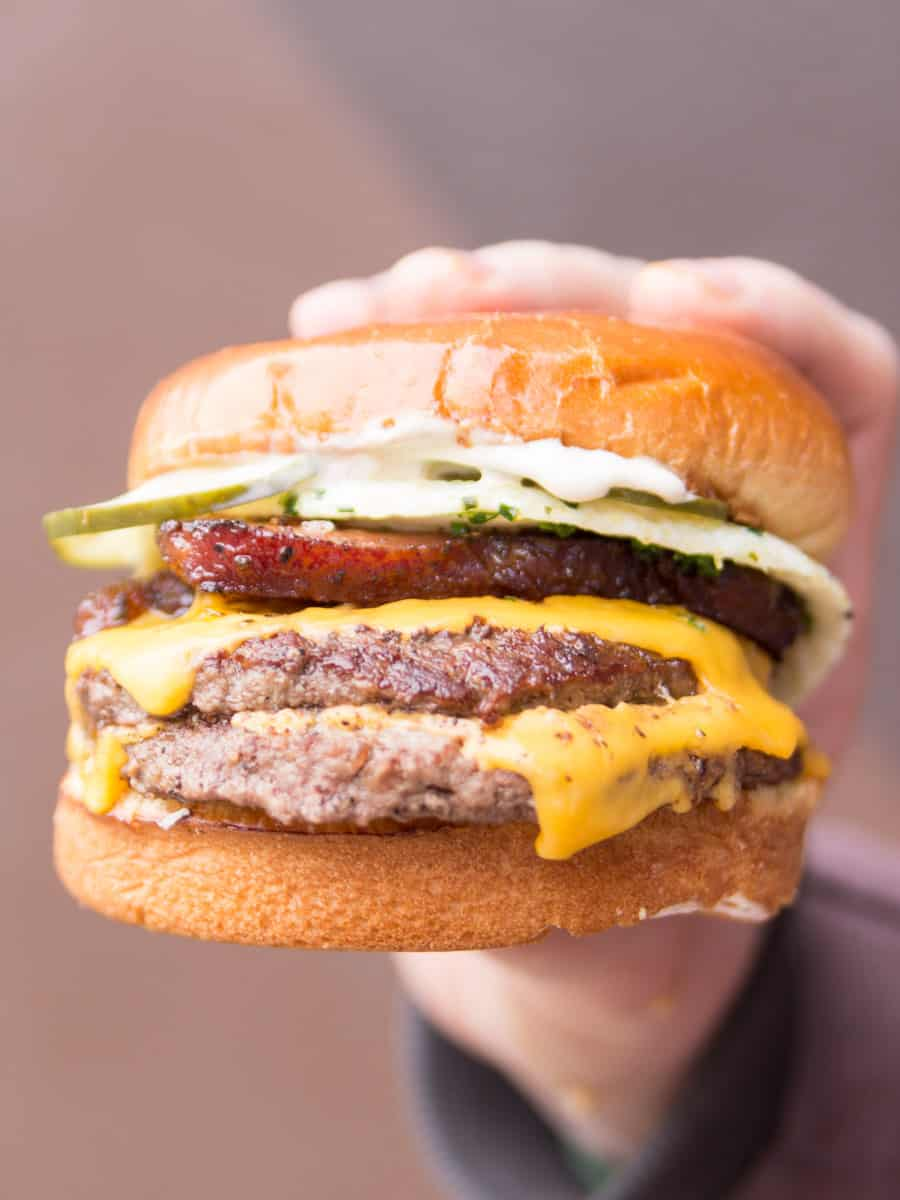From deliciously straightforward to elaborately crafted,we're here to help you navigate your way through the best burgers in Chicago.