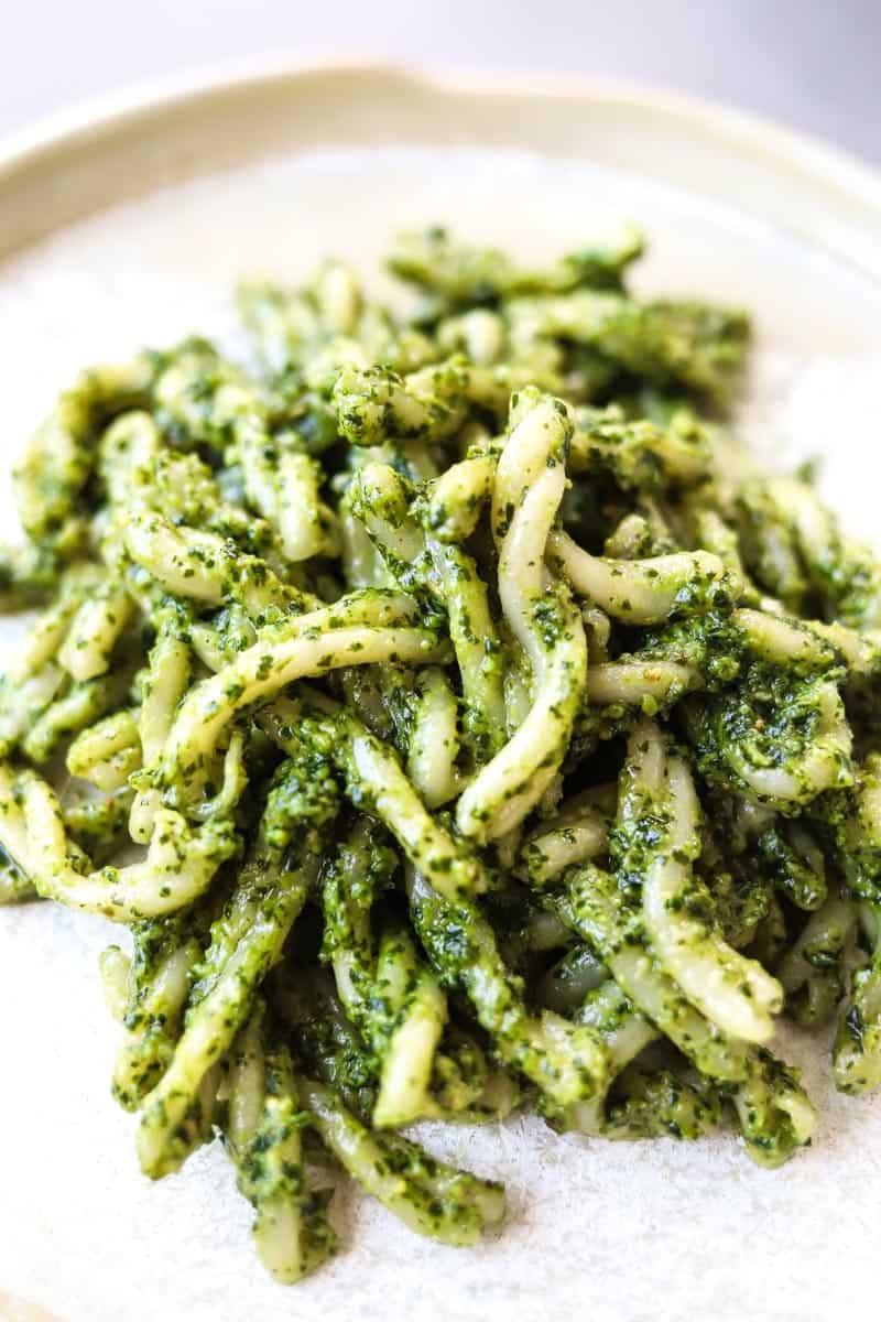 close-up picture of pesto pasta